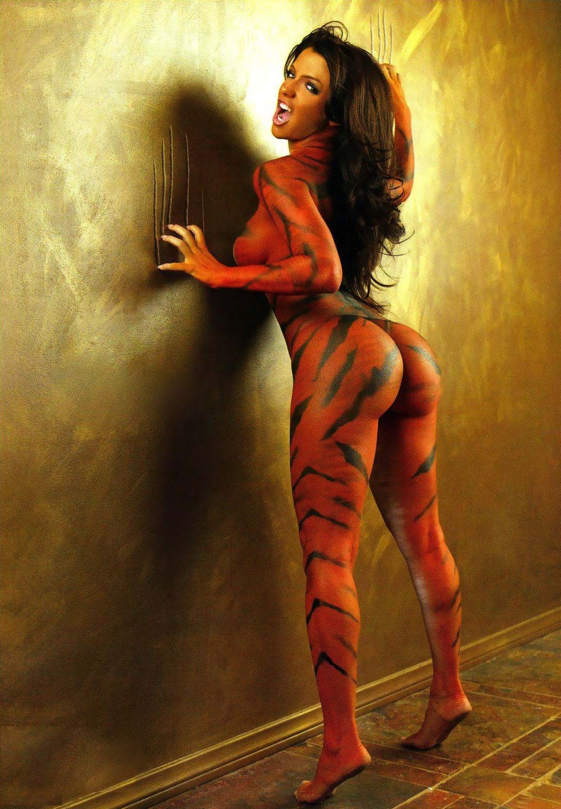 Body tiger paint guerra vida