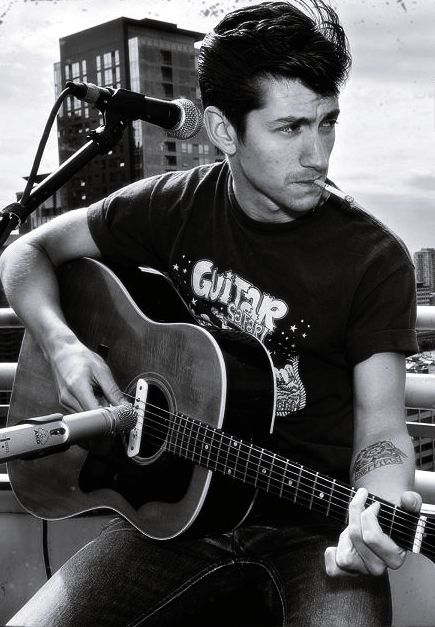 Alex Turner Meow I Have Had This Marvelous Man Throw Me A Guitar