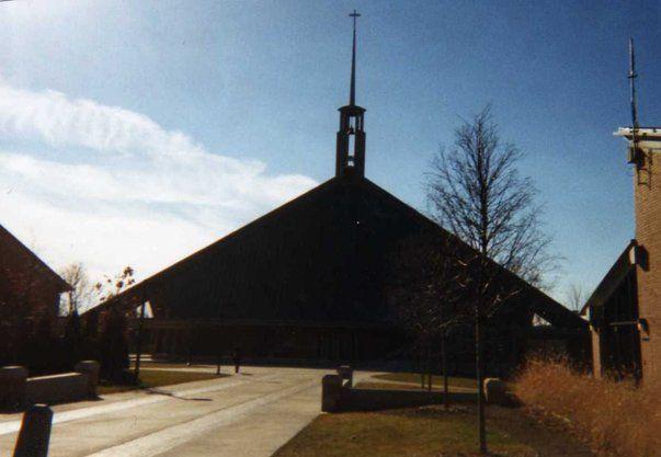 Chapel Of The Holy Trinity Concordia University Ann Arbor Mi Happy Places Concordia Favorite Places