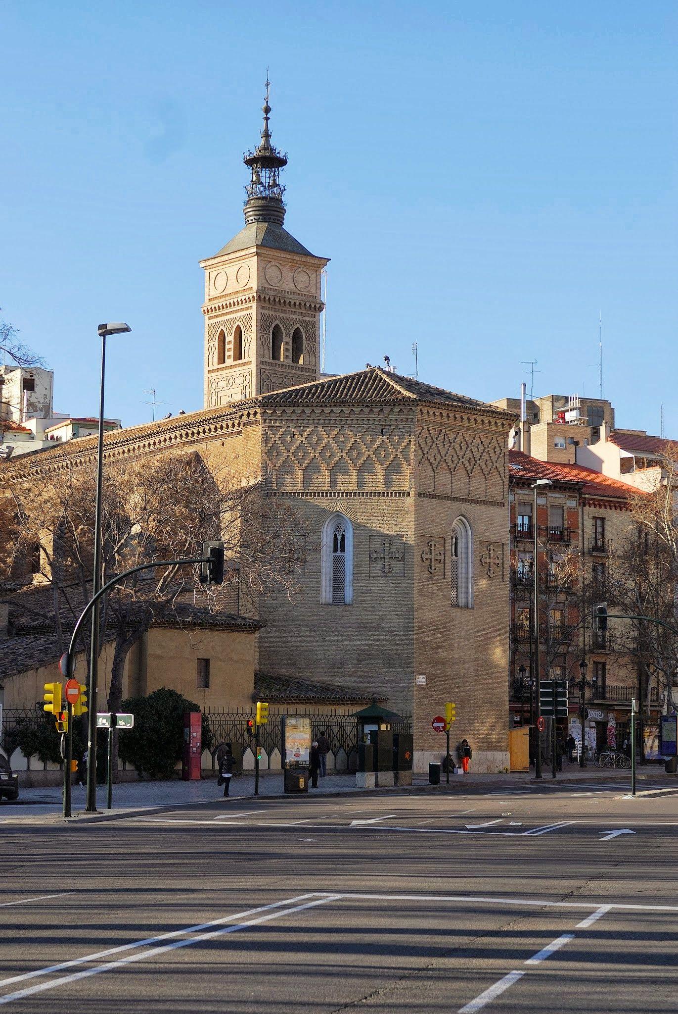 Efe22 Torre Iglesia San Miguel De Los Navarros Zaragoza Zaragoza Aragón España