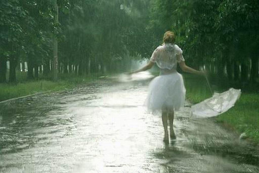 картинки гиф босоногий дождик идет