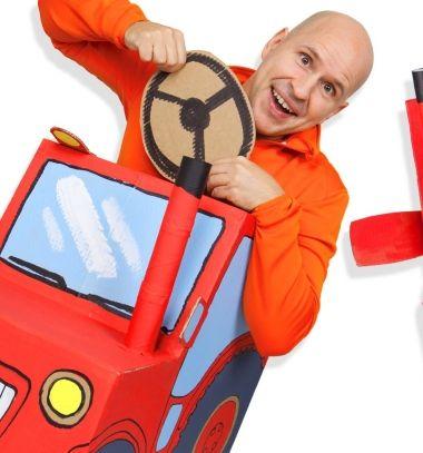 DIY cardboard box tractor // Karton papír traktor gyerekeknek - karton dobozból // Mindy - craft tutorial collection