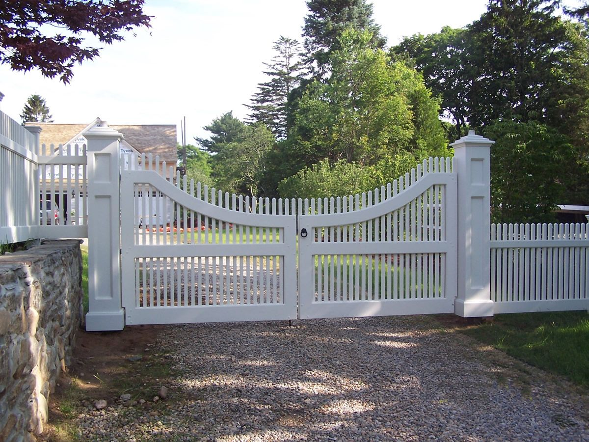 Image Result For White Hampton Style Driveway Gates Cedar Gate Entrance Farm Gate Entrance Farm Entrance