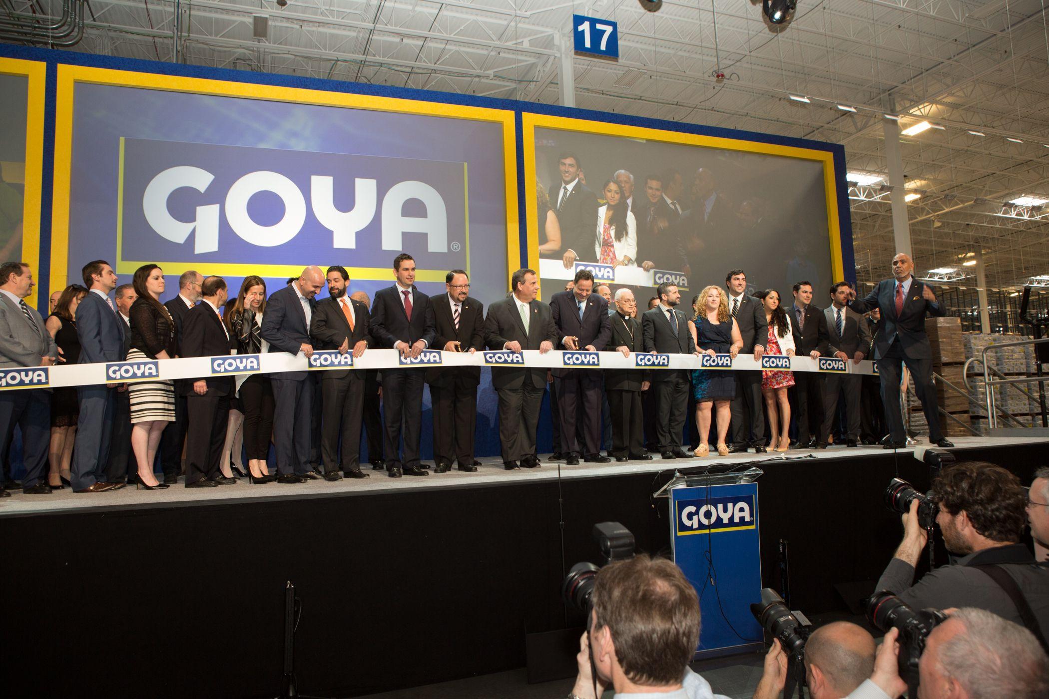 La Grand Familia Goya celebrates the grand opening of