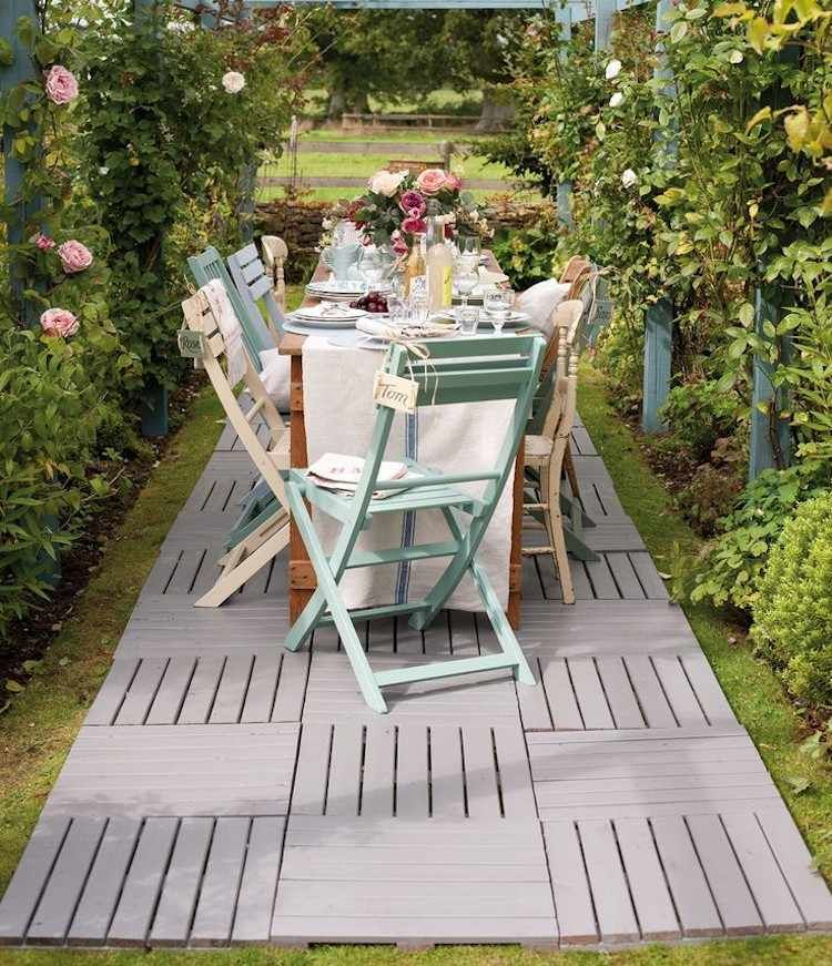 Wpc Fliesen Als Bodenbelag Fur Kleine Terrasse Bodenbelag Im Freien Garten