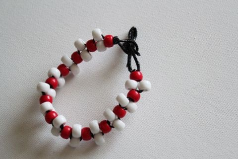 cl4 make-a-pony-bead-bracelet