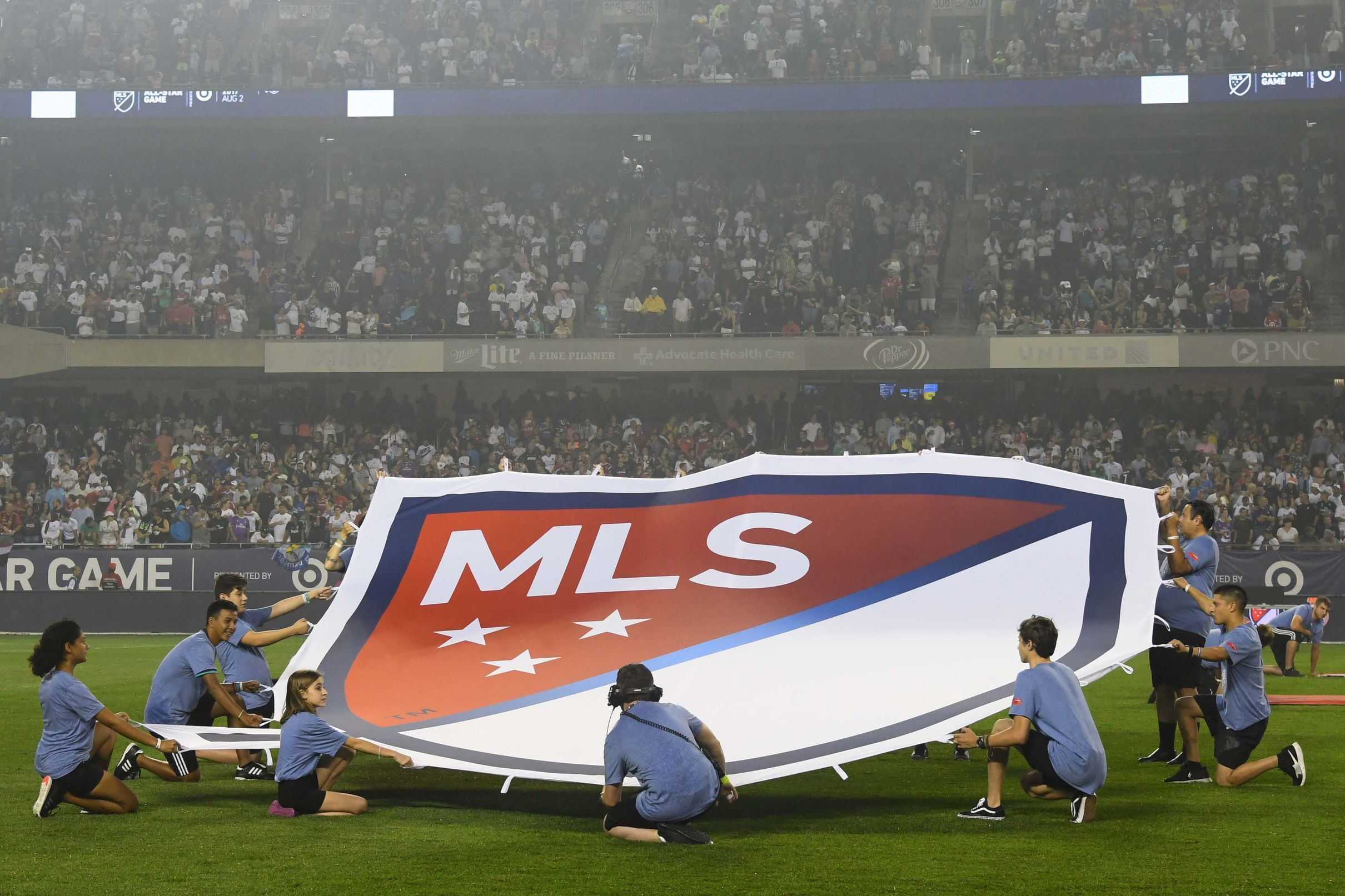 Report Lafc Tentatively Tabbed To Host 2020 Mls All Star Game Angels On Parade Los Angeles Football Club All Star Major League Soccer