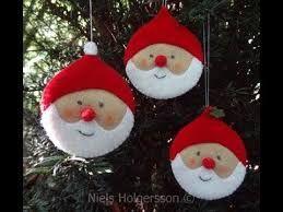 Resultado de imagen de moldes de coronas de navidad en fieltro