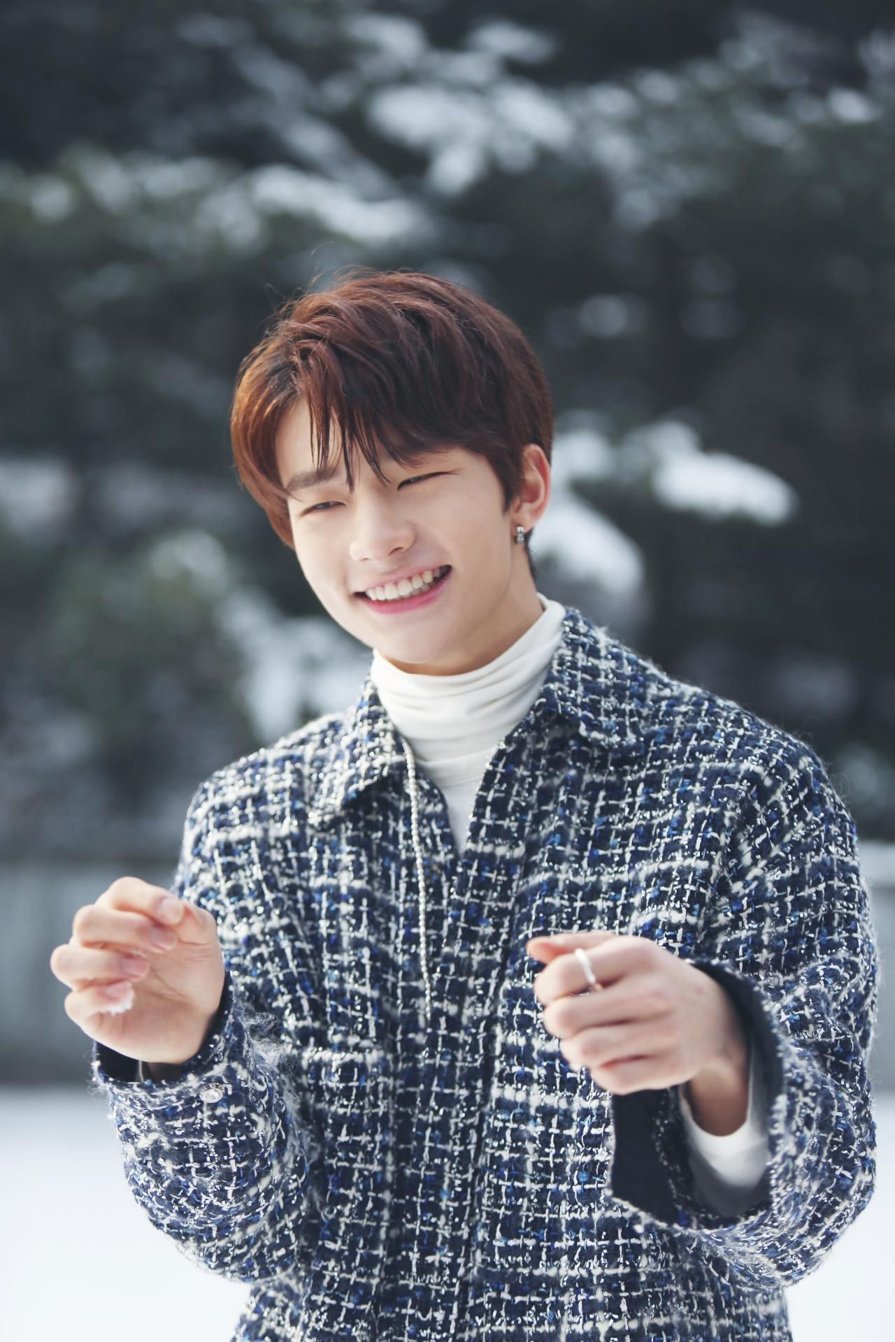 Such A Cutie Hyunjin Stray Kids Stray Kids Pinterest