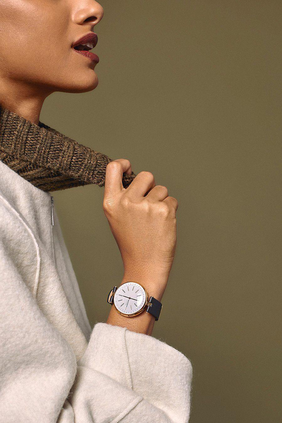 702ff60741bde Hybrid Smartwatch - Signatur T-Bar Black Leather Photo by  Sharon Radisch