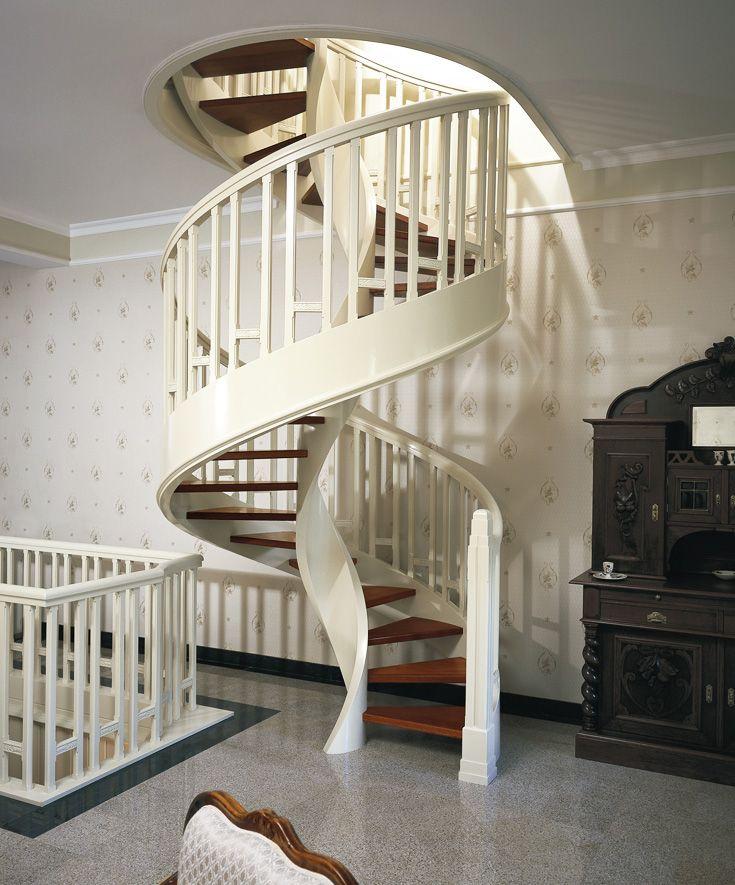 Www Trabczynski Com St509 Policzkowe Schody Spiralne Wykonane Z Drewna Merbau I Malowanego Debu Balustrady Z Rzezbieniami Livingroom Layout Room Layout Stairs