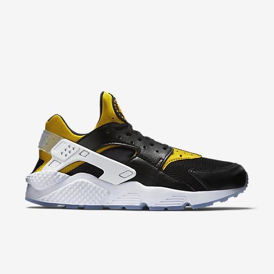 size 40 34ffb 2ad15 Nike Air Huarache Run Premium Mens Shoe Black University Gold