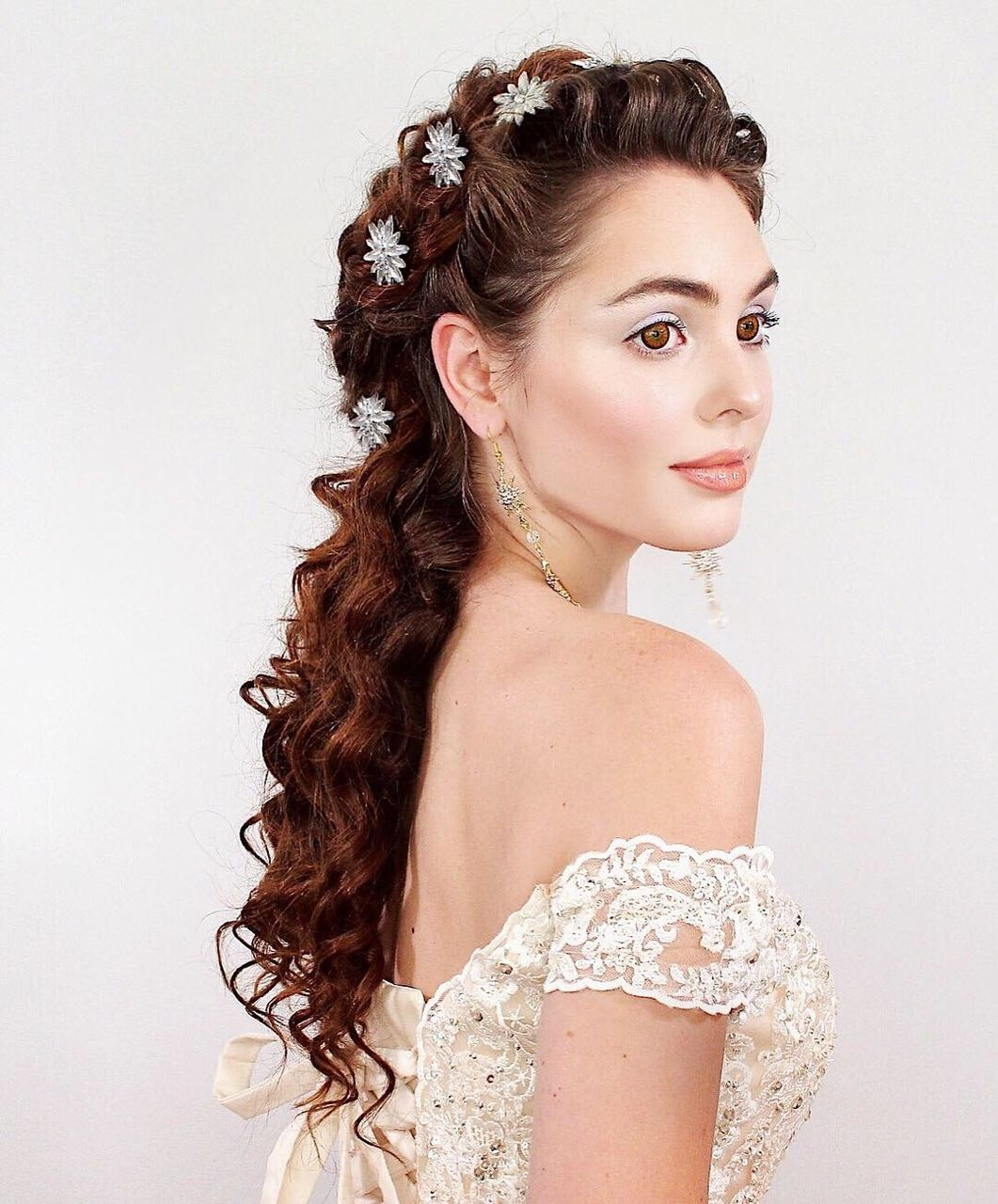 Victorian Style Wedding Hair: Pretty Bridal Hairdressing In Victorian Vintage Style