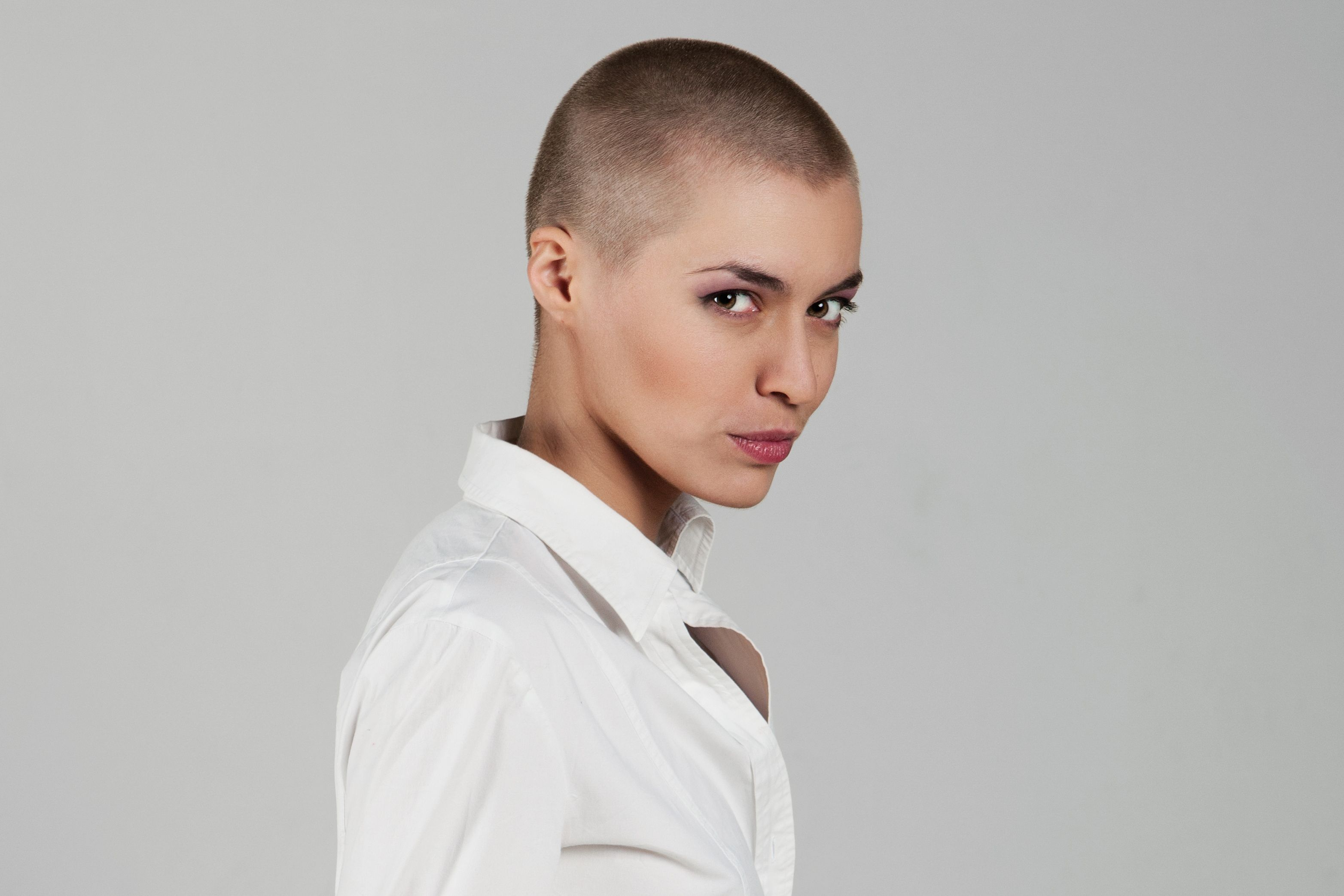 Hairstyles Female Hair Loss Bald Women Styles The Bald And The Beautiful Hair Style