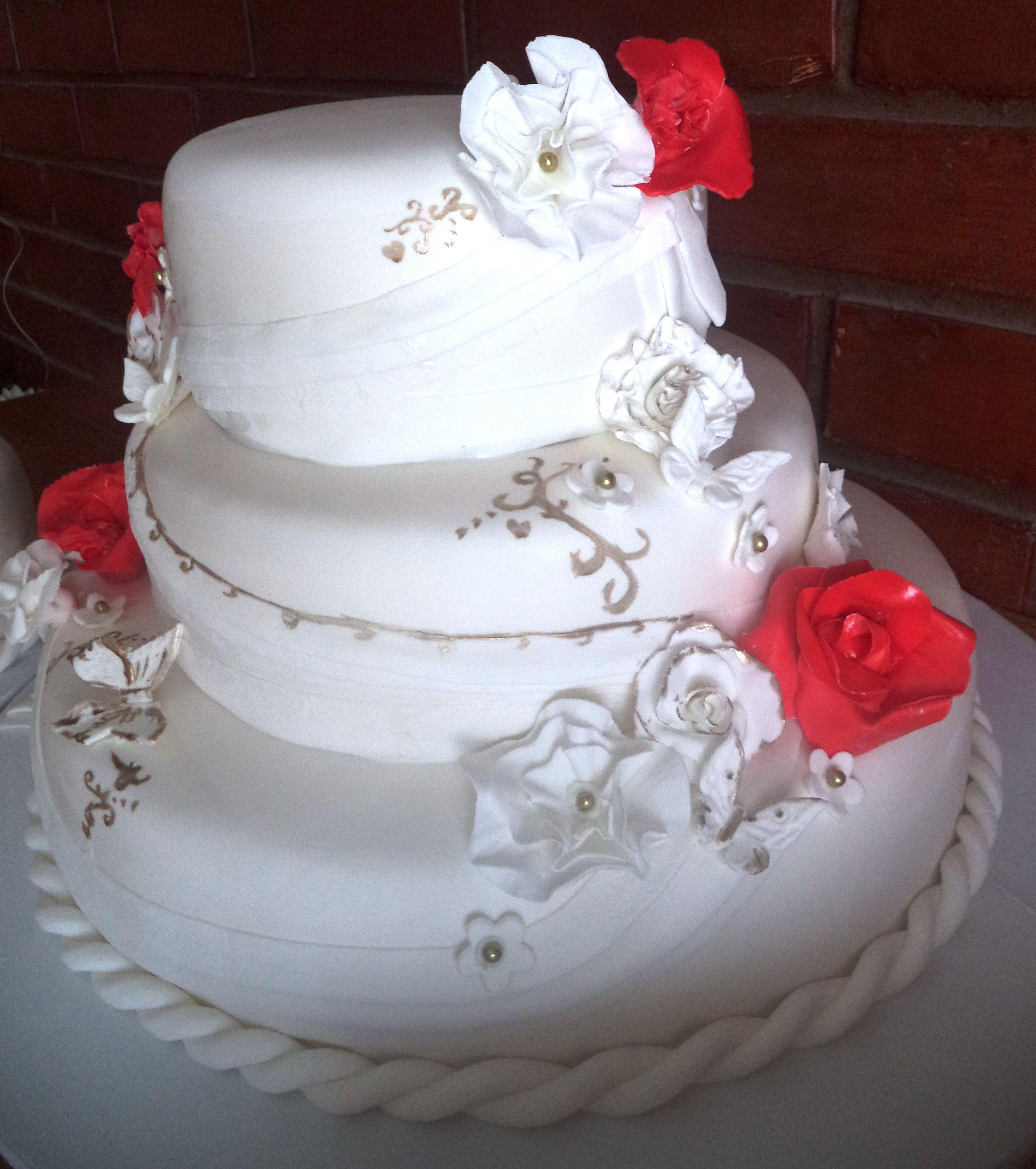 Wedding #fondant #cake by Volován Productos #instacake #puq #Chile ...