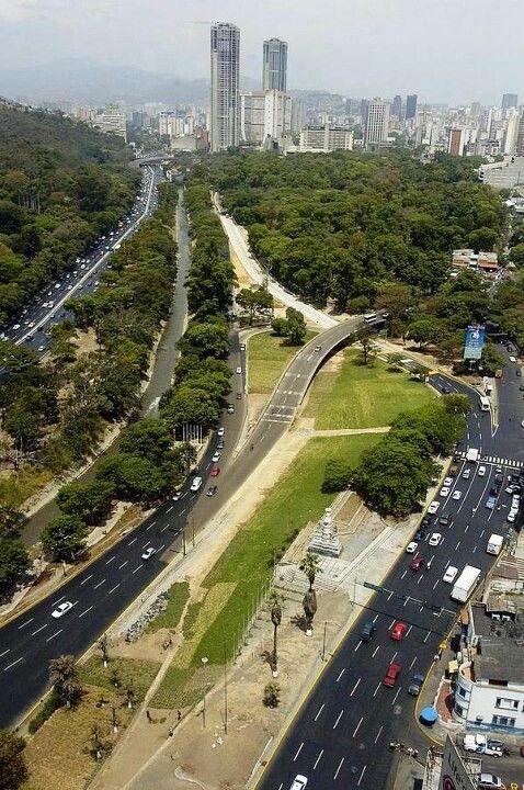 Caracas, Jardin Botanico Plaza Venezuela (Foto AlmiDF Freytes).