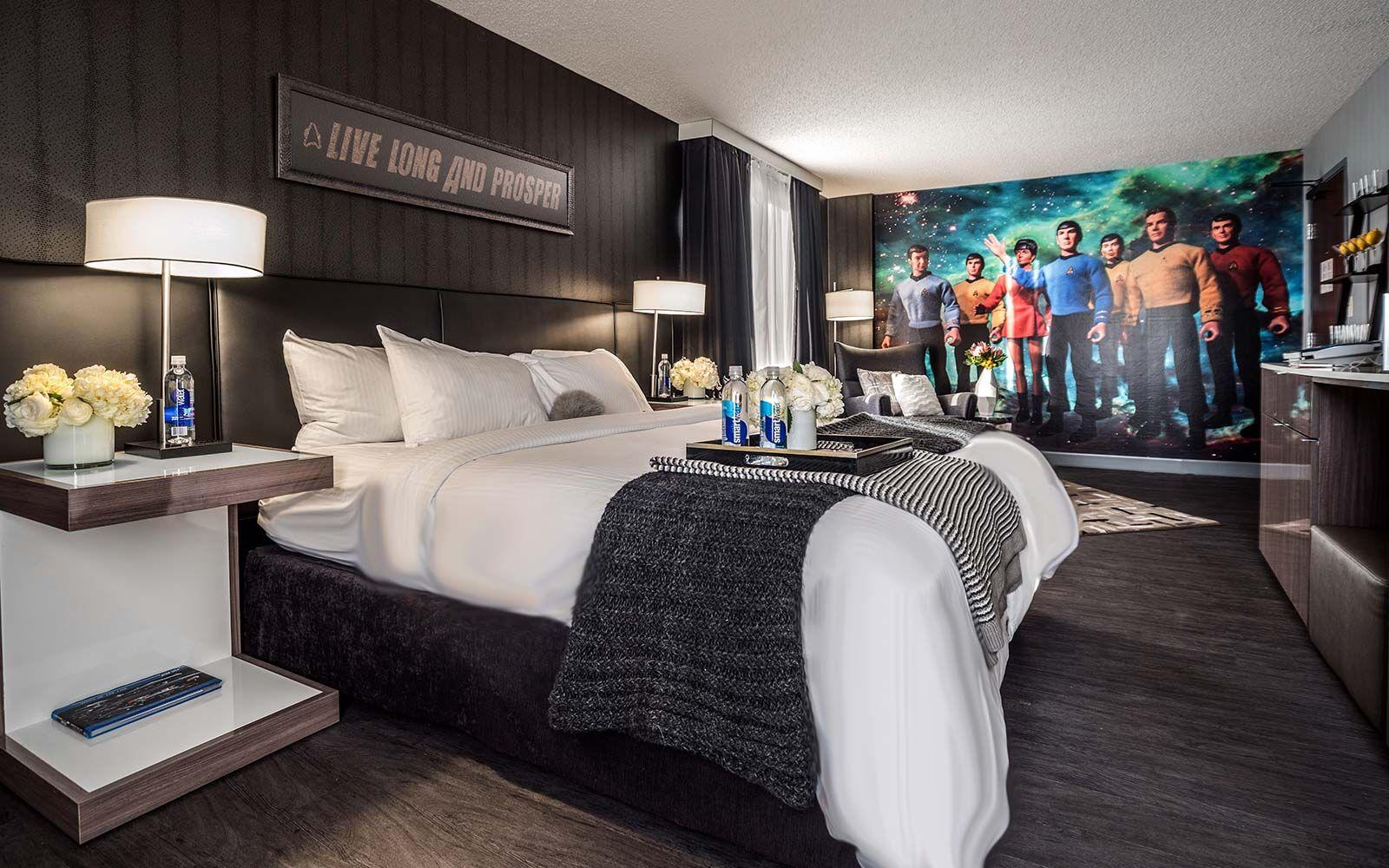 Movie Themed Hotels Star Trek Curtis Denver Amazing Hotels Rooms Hotel Themed Hotel Rooms