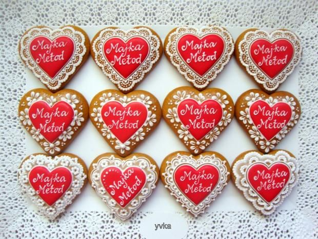 Červené svadobné srdiečka. Autorka: yvka. Medovník, medovníky, gingerbread, srdce, srdcia, srdiečko, srdiečka. Artmama.sk.