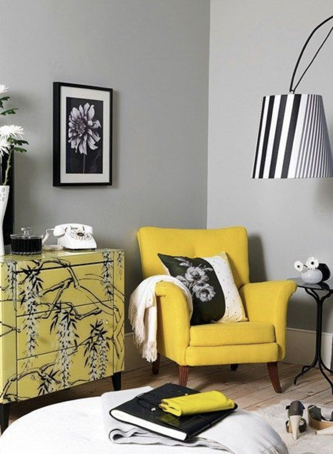 30 White Living Room Ideas: #Home #Decor / 30+ Splendid Accent Chair Ideas For Your