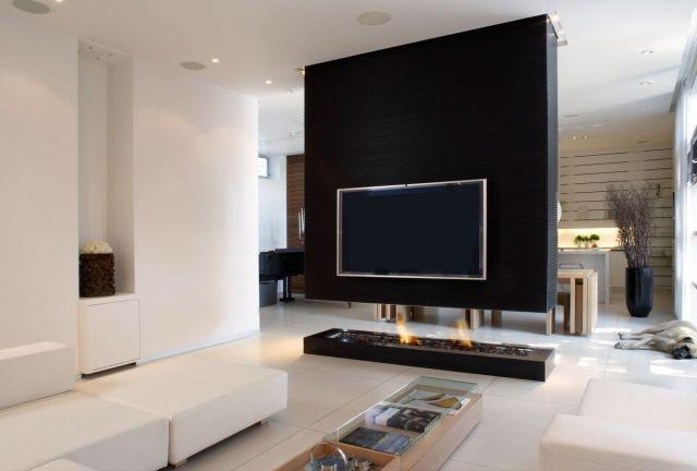 kaminofen-glas-trennwand-tv-wohnzimmer-essbereich-schwarz-weißjpg - wohnzimmer modern schwarz weis