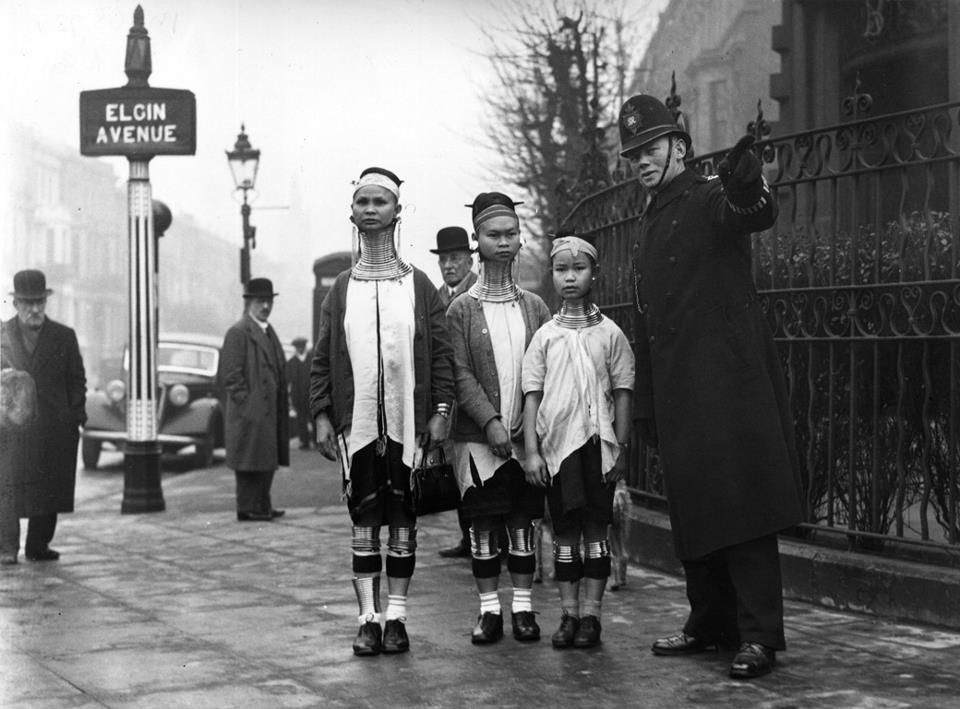 London tourists c.1935!