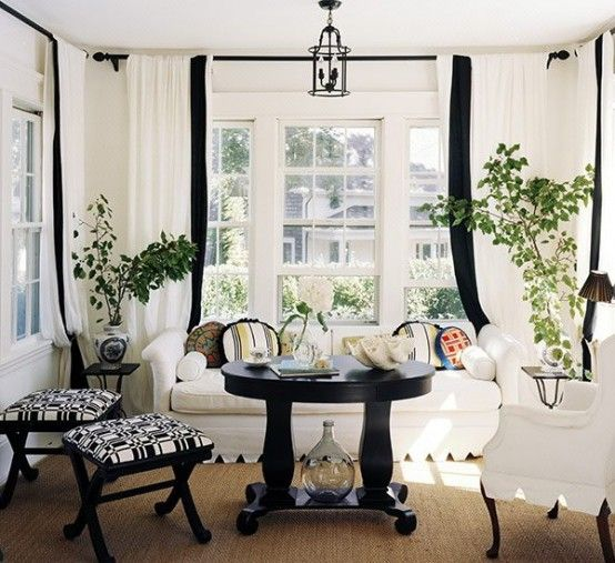 21 Creative Inspiring Black And White Traditional Living Room Designs Read More At Ww Black And White Living Room White Rooms Traditional Design Living Room
