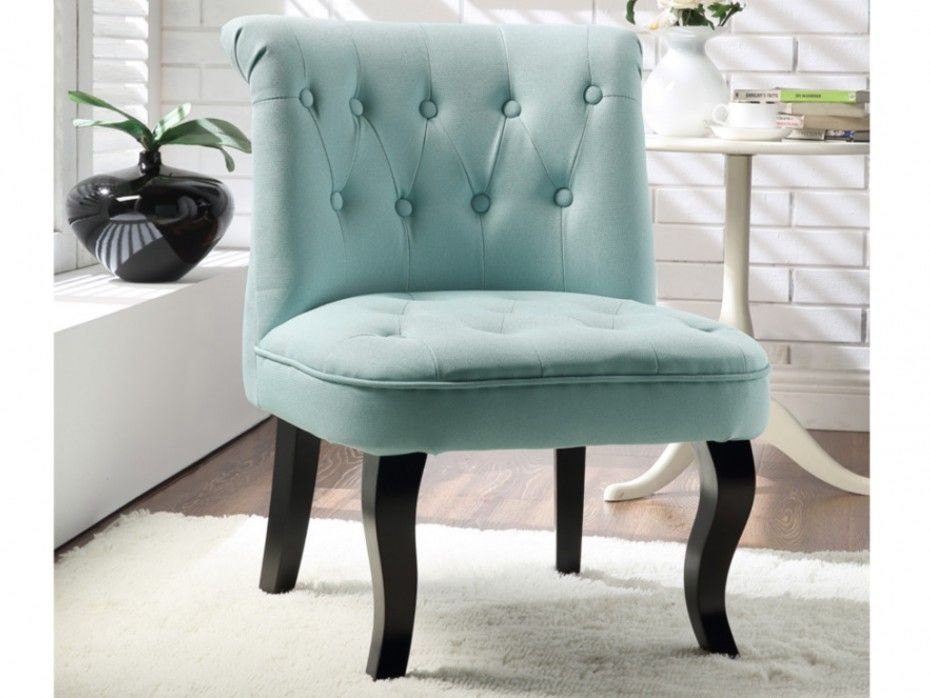 fauteuil crapaud en tissu coloris bleu pastel melosia. Black Bedroom Furniture Sets. Home Design Ideas