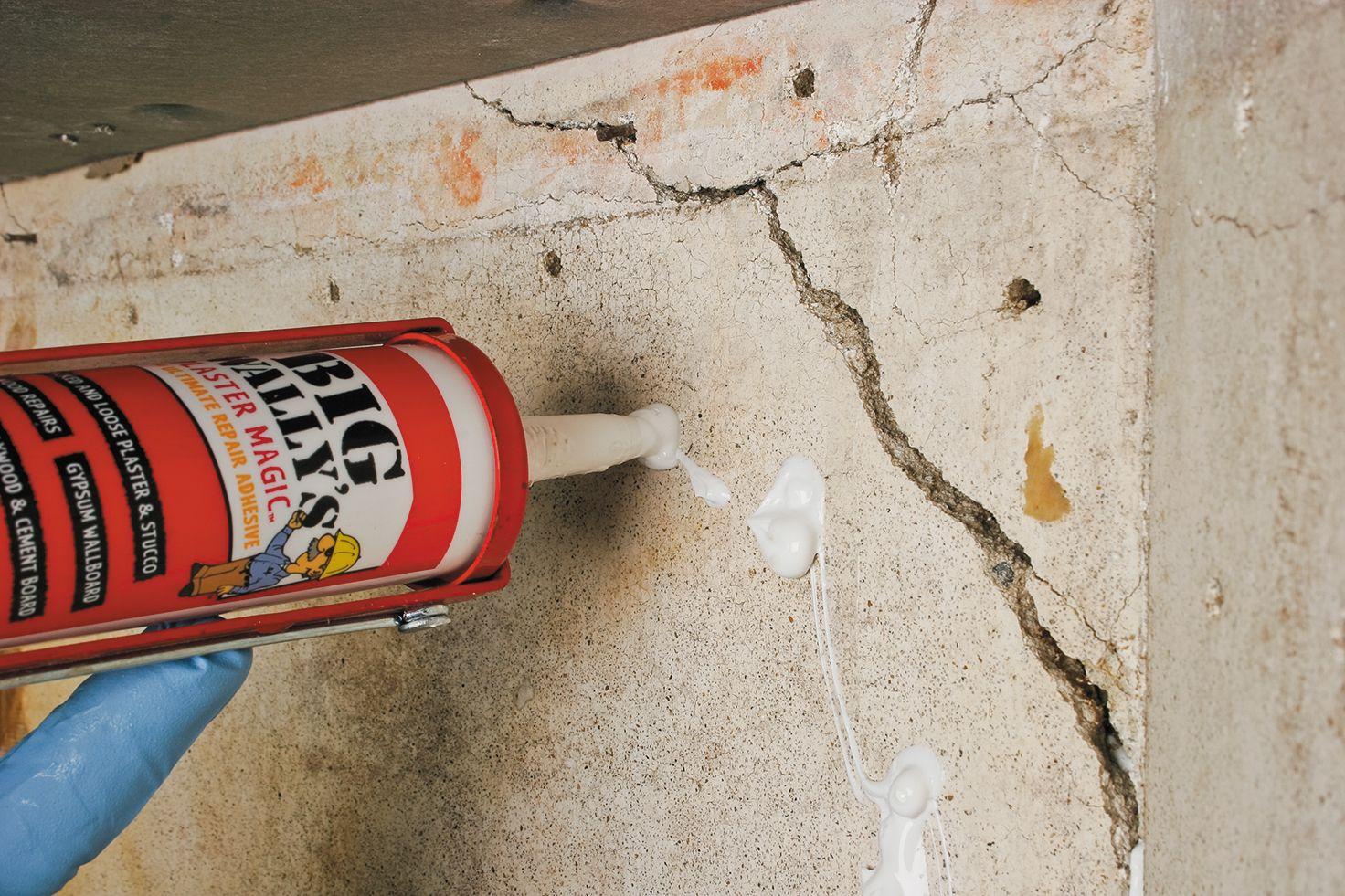 How To Fix Damaged Plaster Plaster Walls Diy Repairing Plaster Walls Plaster Repair