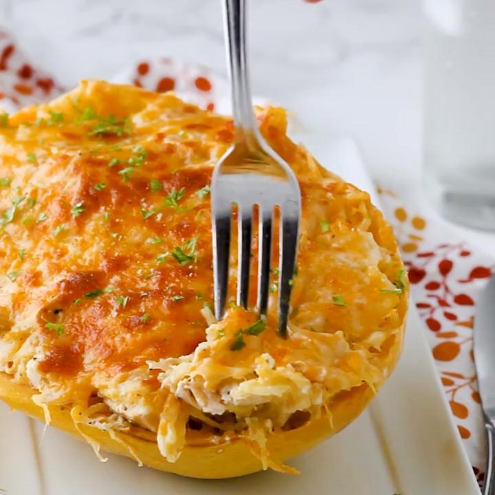 Spaghetti Squash Au Gratin (Low carb & Keto Friendly)
