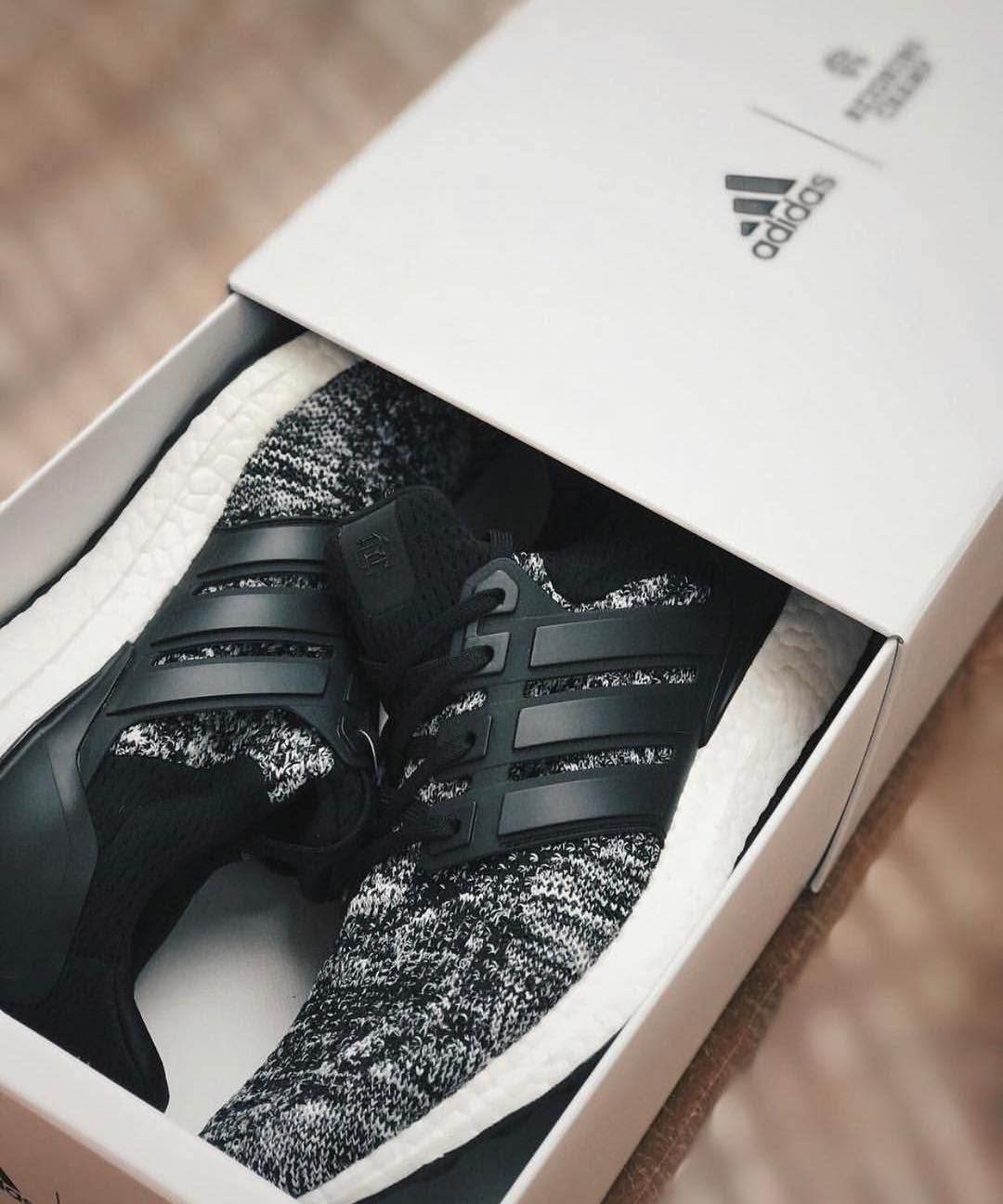Con l'unboxing del @ reigningchamp adidas ultra impulso � @ firstblud