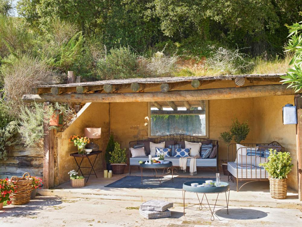 Mix De Frescor Y Tradicion En 2020 Porches Porches De Casas Muebles De Exterior