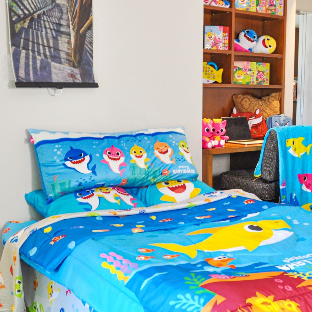 We love this bedroom! So many colors, so many sharks