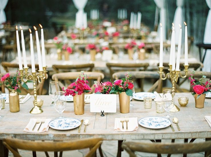 Gold candelabras and traditional blue and white floral plates | fabmood.com