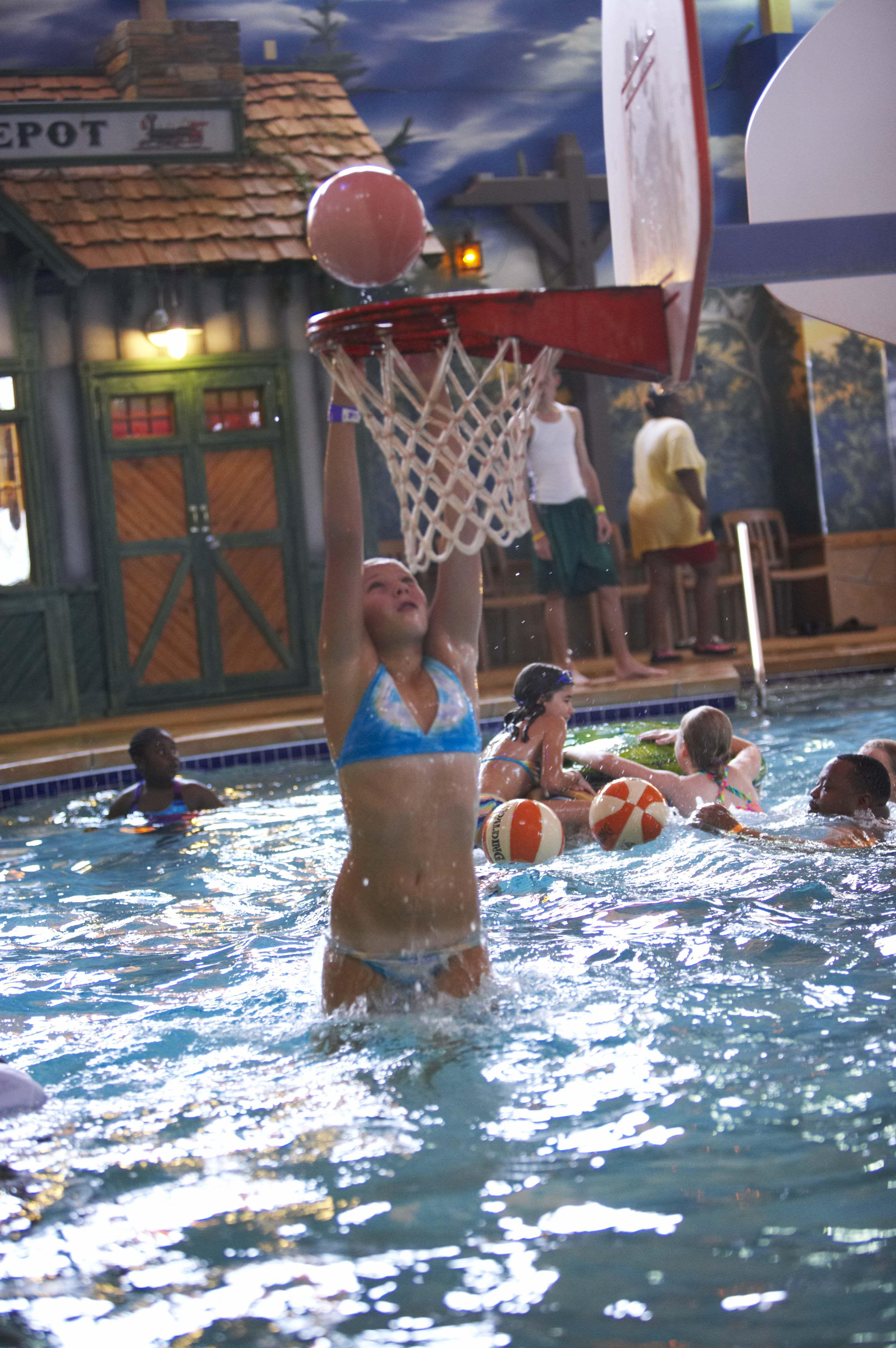Country Springs Hotel Water Park Indoor Waterpark Hot Tub Outdoor