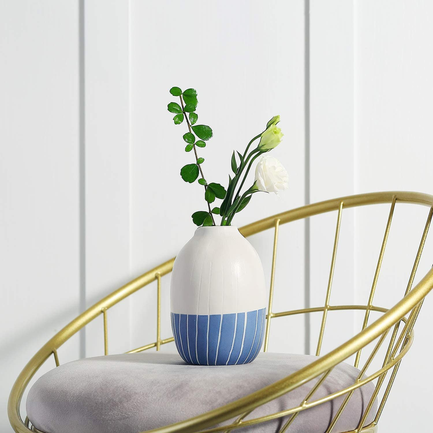 Ceramic small flower vase with retro grid in 2020 home