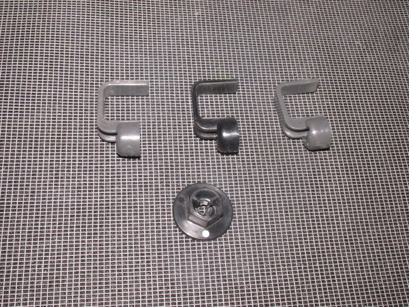 94 95 96 97 Mazda Miata Oem Tail Light Wiring Harness Holder Clips