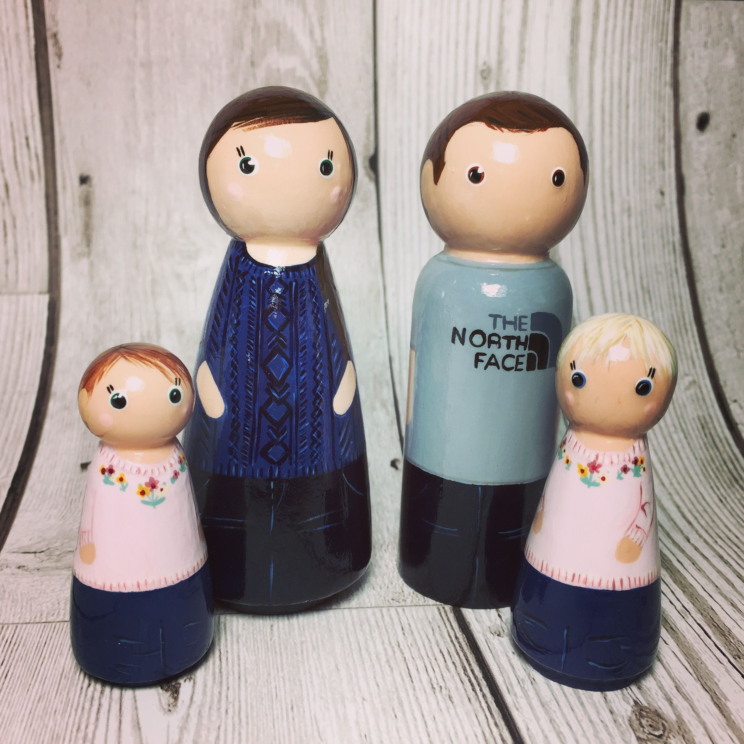 Family peg dolls. Mum, dad daughters. Wooden peg doll family by Gabe ...