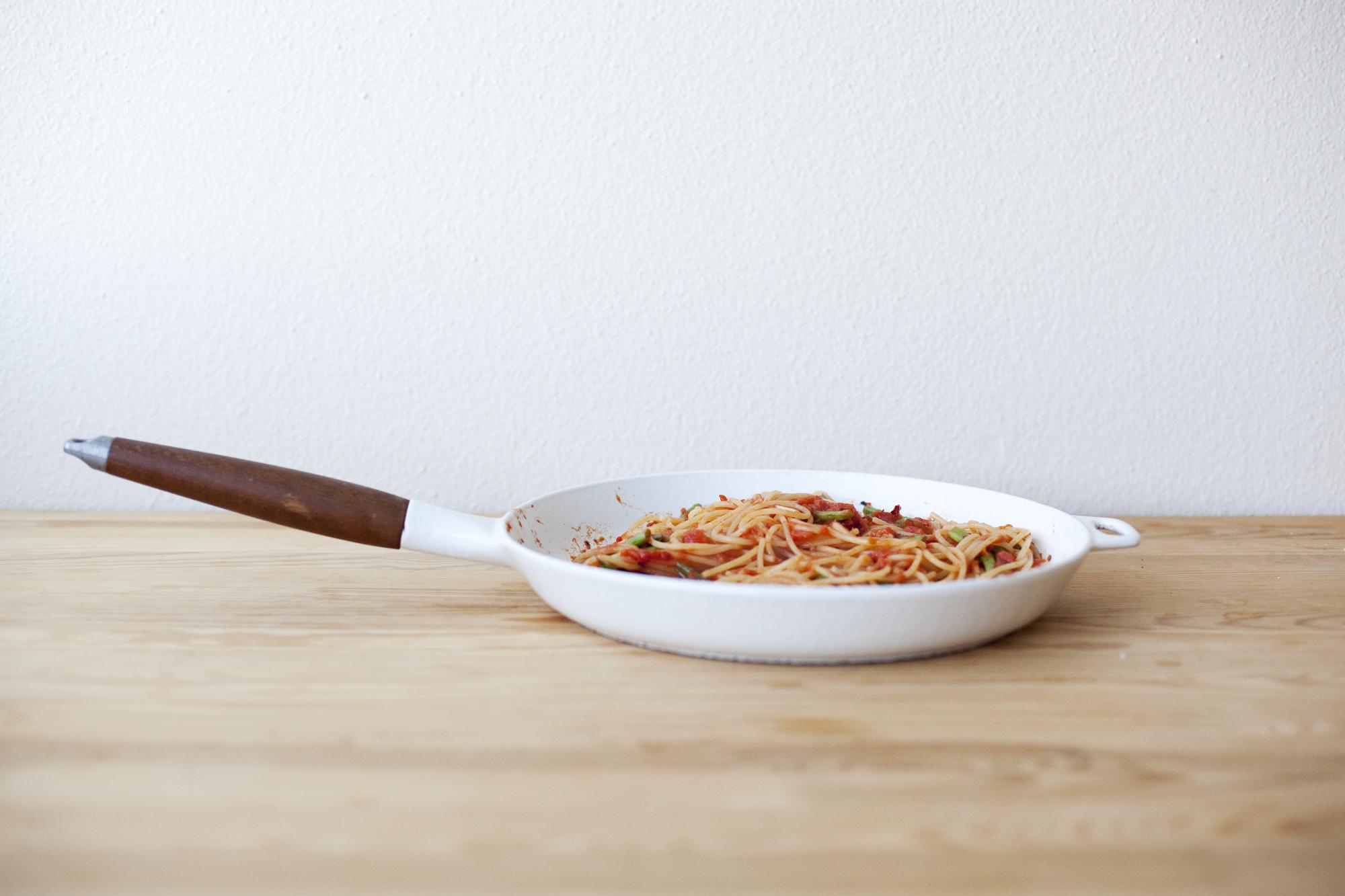 naked tomato sauce spaghetti recipe via smitten kitchen | //eat