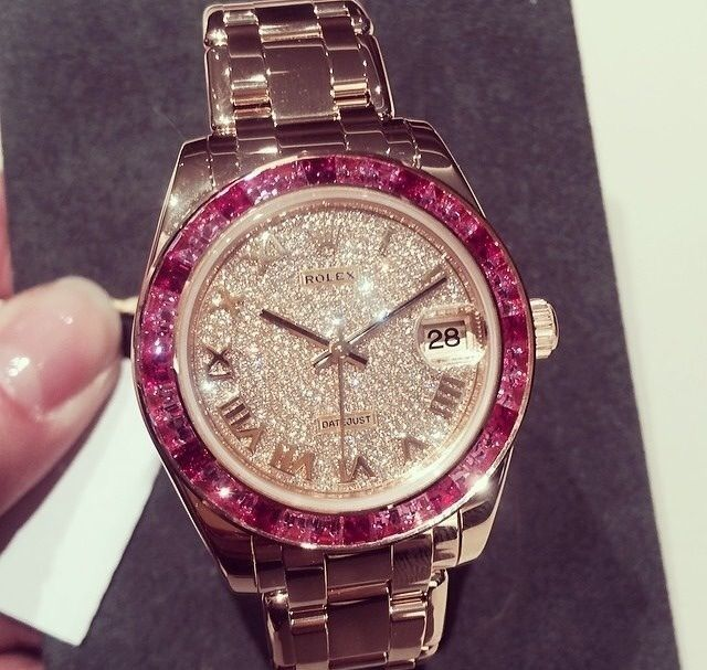 Rose gold Rolex. Gorgeous ❤️