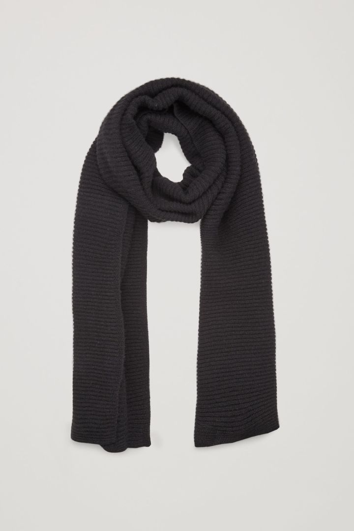 RIBBED CASHMERE SCARF - Cos   This lovely things en 2018   Pinterest ... 15b91999ade
