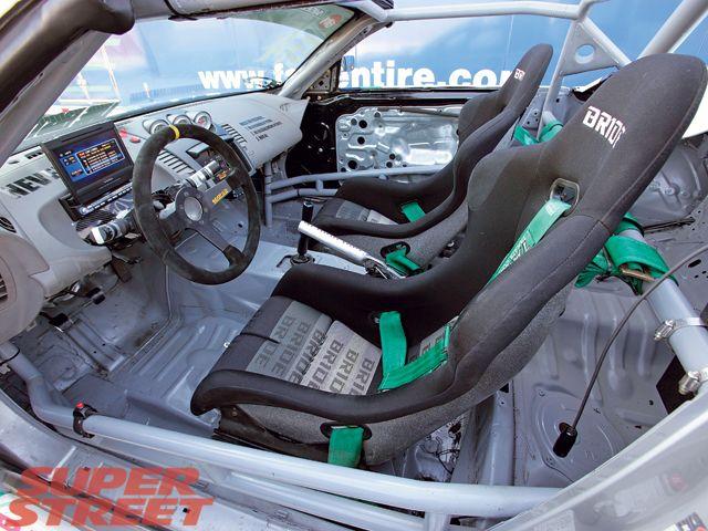 Image Superstreetonline Com F 8960870 130 0612 14 Z 2006 Nissan 350z Roadster Interior Jpg Drifting Cars Car Interior Nissan 350z