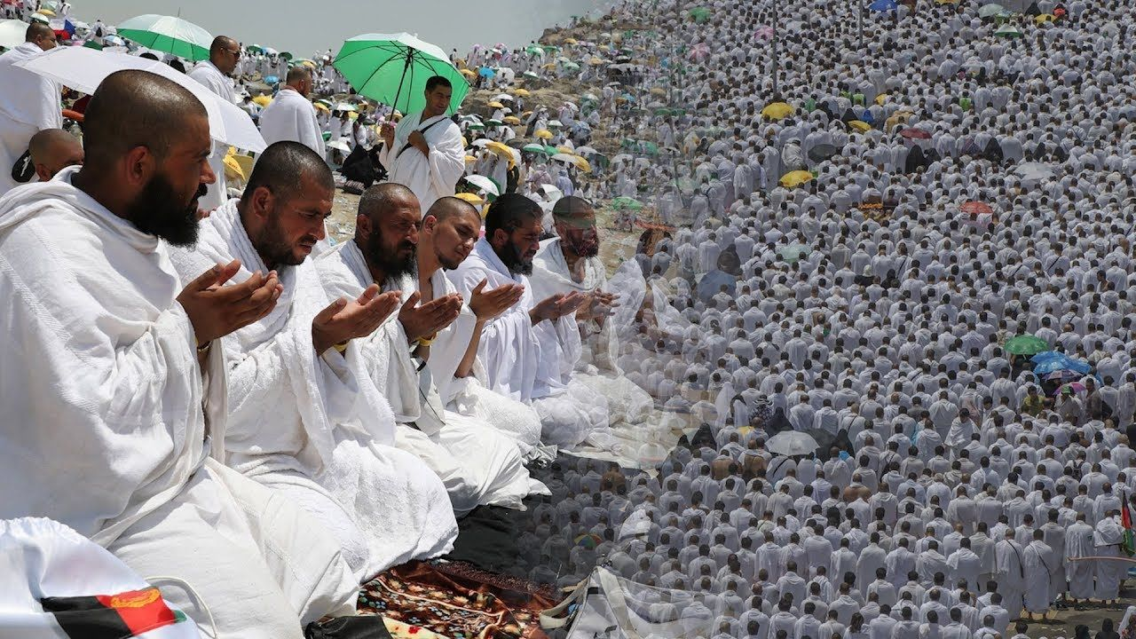 Hajj Pilgrims Pray In Arafat A Sea Of Pilgrims Ascended Mount Arafat In Saudi Arabia On Monday To Pray And Repent The Climax Pilgrim Pray Around The Worlds