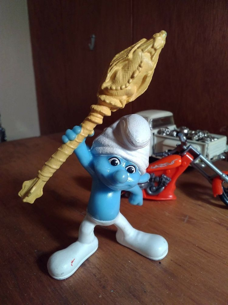 Clumsy smurf 2011 with his bike peyo figure toy cake