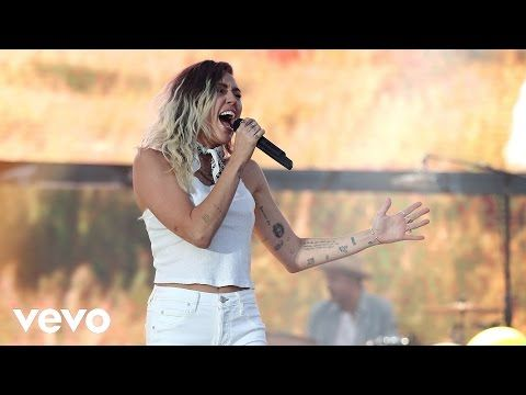 "Miley Cyrus - The Backyard Sessions - ""Jolene"" - YouTube ..."