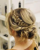 Latest Photos Half up half down hair straight Concepts Upon your wedding, you want to search the most wonderful by top to bottom, when every one's little #Concepts #hair #Latest #Photos #straight