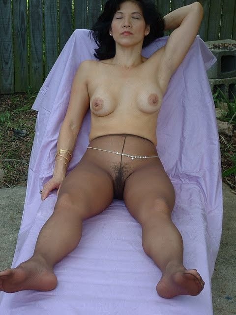 Mature asian women in pantyhose