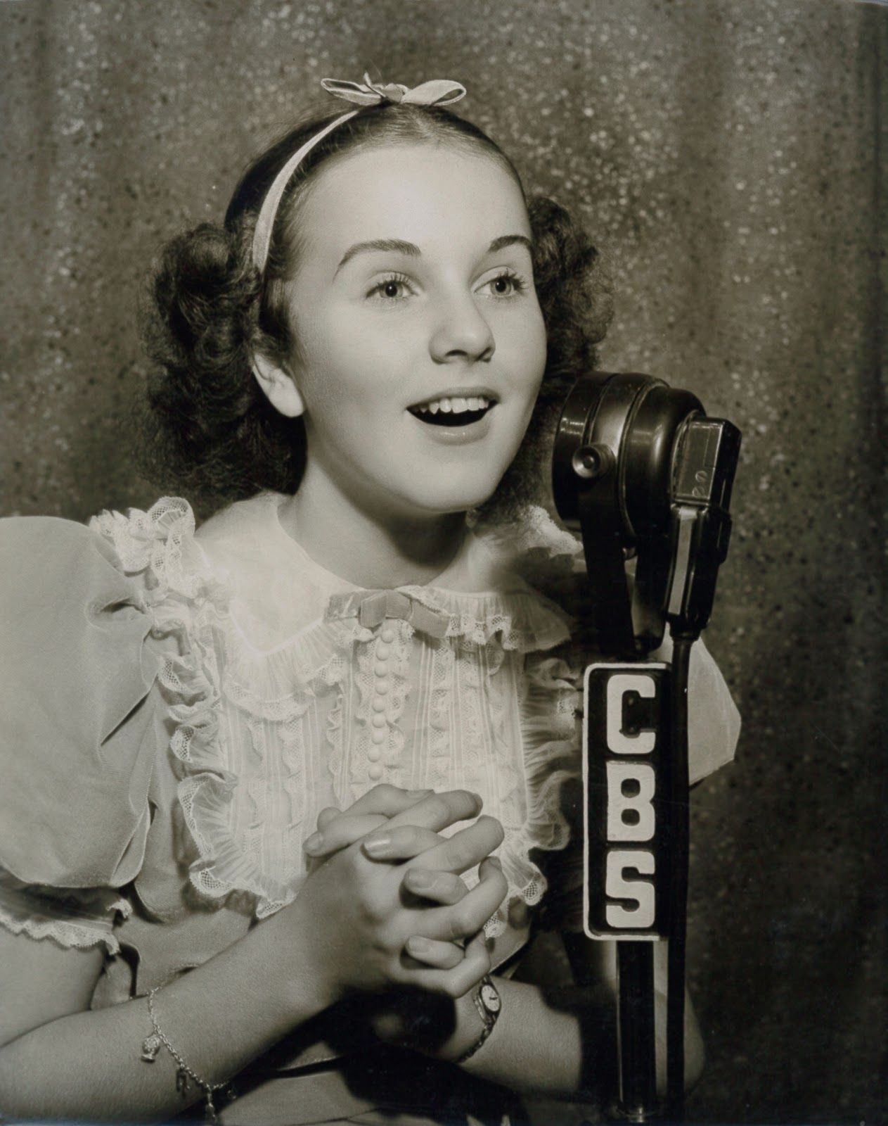 Watch Deanna Durbin video
