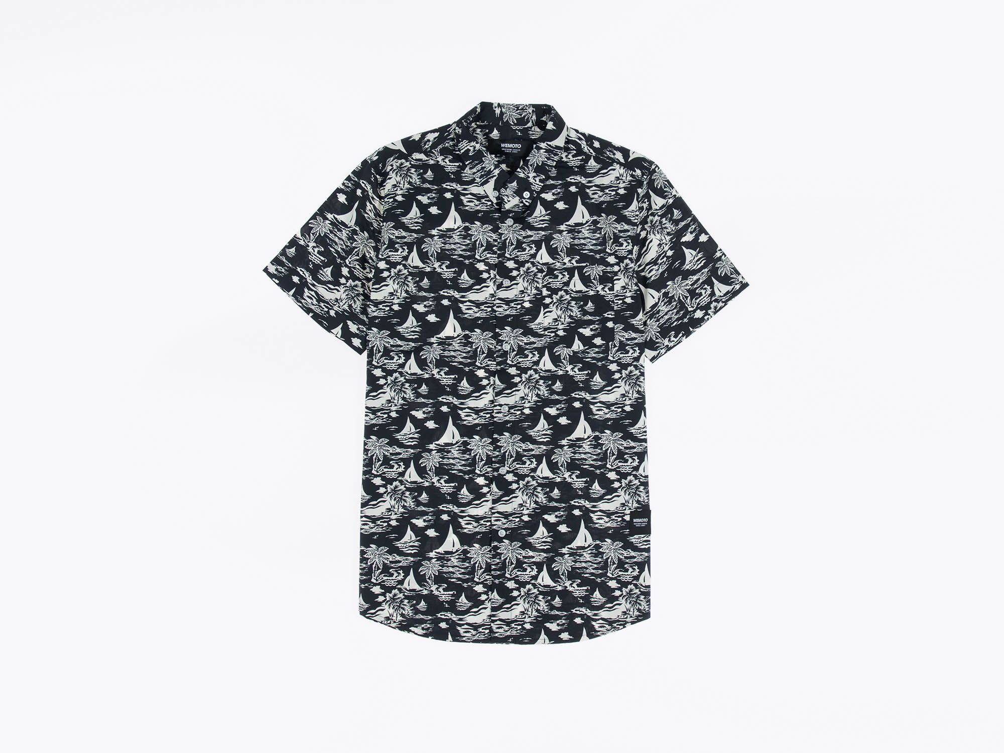 The Wemoto Ohata button down shirt is made from a 100% cotton poplin construction. It comes with a sophisticated version of a button down collar and has a regular fit.