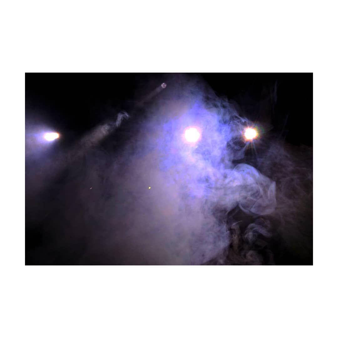 ... . . . . #photocinematica #cinematic #cinema #cinematography #filmforever #filmphotography #filmisnotdead #filmmaker #filmfeed #filmphotographic #shootfilm #streetgrammersmx #staycinematic #cine #photography #photographer #photo #instagram #picoftheday #photograph #lights #night #nightphotography #35mm #35mmfilm #35mmphotography #PeraPhotoGallery