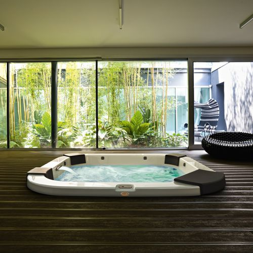spa portable rectangulaire 4 places d 39 int rieur delos by kaluderovic condini jacuzzi. Black Bedroom Furniture Sets. Home Design Ideas